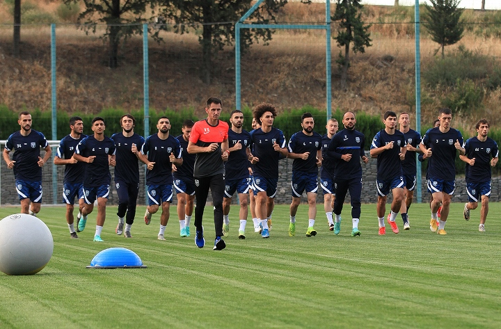 Futbolçularımız Tbilisi toplanışından danışdılar – VİDEO